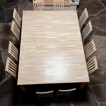 OAK WOOD TABLE WITH CHAIRS